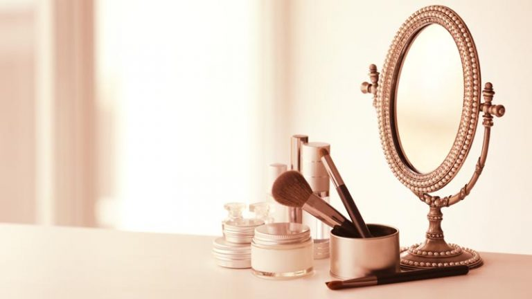 Belajar Sejarah: Sejak Kapan Kita Memakai Kosmetik?