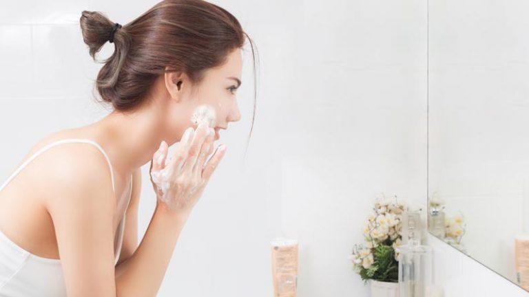 Tips Aman Bikin Sabun Muka Sendiri